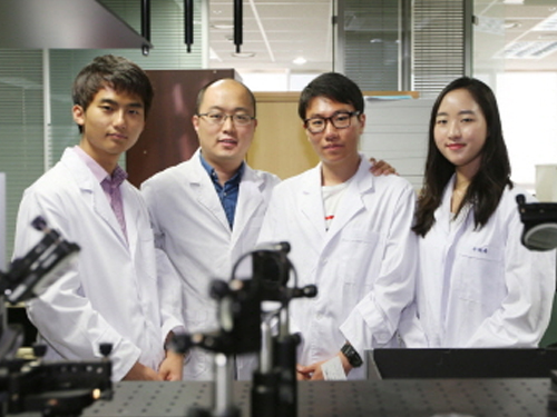 Professor YongKeun Park Produces Undergraduate Students with International Achievements 이미지